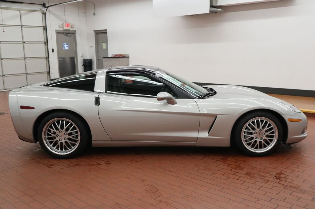 Pre-Owned 2005 Chevrolet Corvette 2dr Coupe